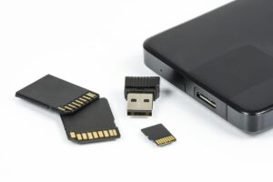 storage in memory card and pendrive